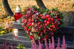 Tinkamiausi augalai kapams 2021 metais